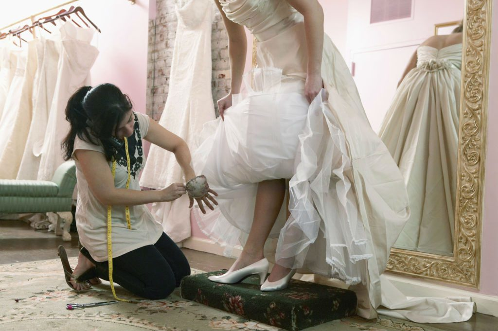 Укоротить свадебное платье